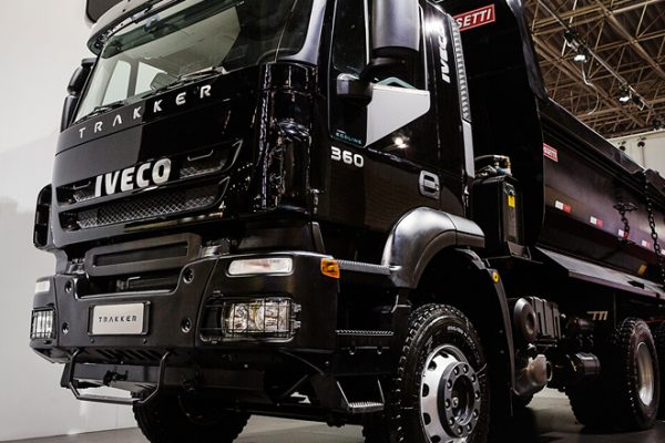 Iveco Trakker com 360 cavalos de potência