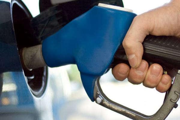 Tabela estabelece preços de combustíveis para março