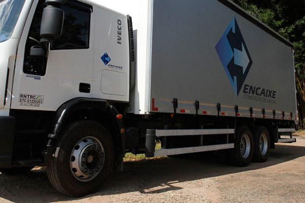 Iveco entrega 22 caminhões para transportadora
