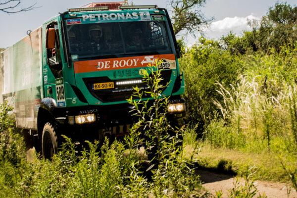Equipe Iveco termina o Dakar 2015 no Top 10