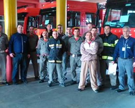 Corpo de Bombeiros de Porto Alegre recebe caminhões Iveco