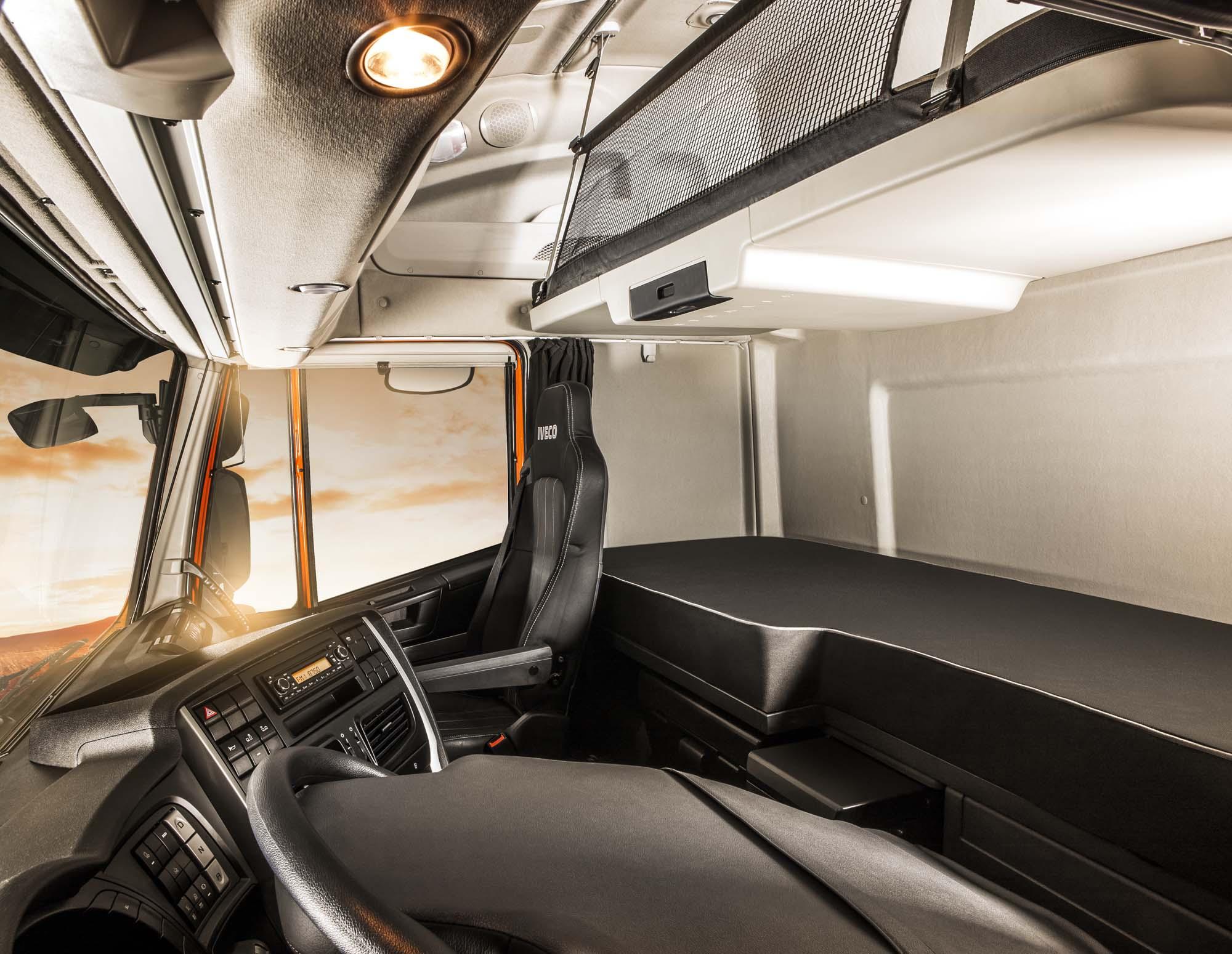 Confira dicas para dormir com mais conforto e qualidade na boleia do seu caminhão.